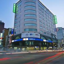劍橋大飯店 felhasználói profilja