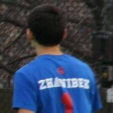 Zhanibek是房东。