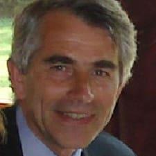 François-Xavier is the host.