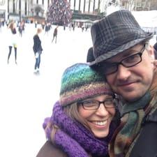 โพรไฟล์ผู้ใช้ Michael & Anne