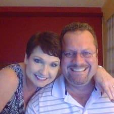 โพรไฟล์ผู้ใช้ Karen And Ken