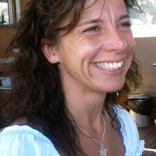 โพรไฟล์ผู้ใช้ Marie Noëlle