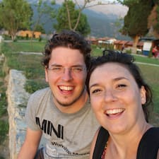 Virginie And Nicolas è l'host.