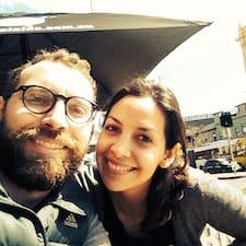 Pablo & Fernanda es el anfitrión.