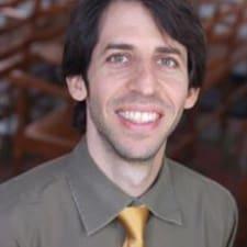 Avner felhasználói profilja
