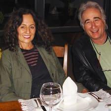Kathy & Bob es el anfitrión.