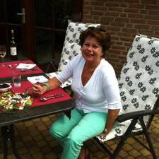 Tineke is the host.