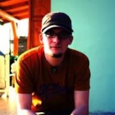 Titusz felhasználói profilja