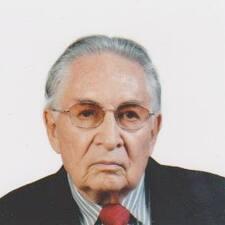 Jose A. est l'hôte.