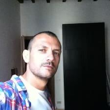 โพรไฟล์ผู้ใช้ Enrico