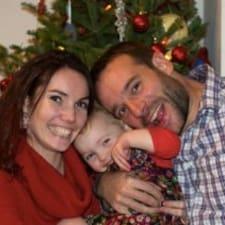 Nicolas, Stephanie & M1 & M2的用戶個人資料