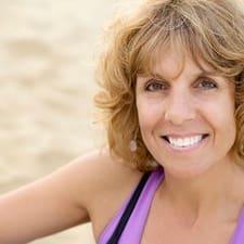 Sandra er værten.