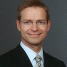 Lauri User Profile