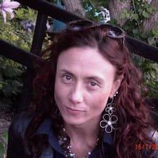 Anna Costanza User Profile