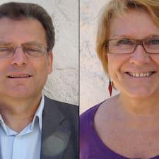 Hubert & Monique is the host.