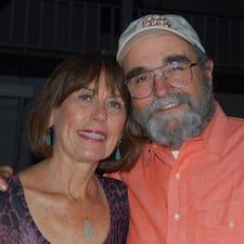 โพรไฟล์ผู้ใช้ David & Carolyn