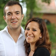 Frédéric Et Caroline is the host.