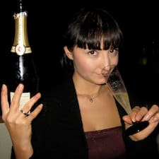 Chiara is the host.