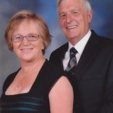Noel And Joan felhasználói profilja