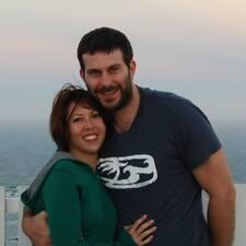 โพรไฟล์ผู้ใช้ Stephen & Sara