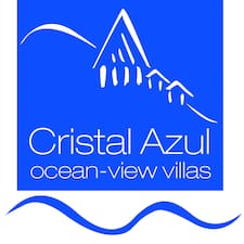 Cristal Azul is the host.