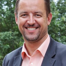 Emmanuel Brukerprofil