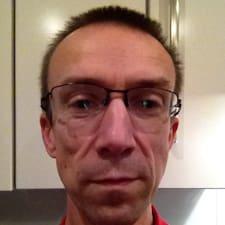 Hywel felhasználói profilja