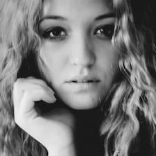 Profilo utente di Rebecca Farina