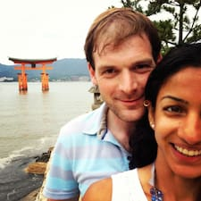 โพรไฟล์ผู้ใช้ Deepti & Michael