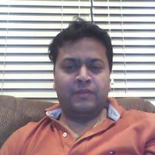 Abhinav es el anfitrión.