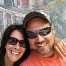 โพรไฟล์ผู้ใช้ Keith & Stephanie