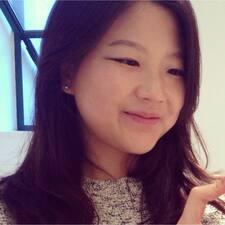 โพรไฟล์ผู้ใช้ Chloe Eunsung