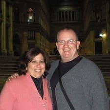 Profilo utente di Liz And Michael