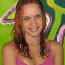Heidi Ferreira