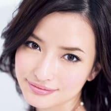 Yuka is the host.