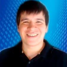 Luis De Los Santos User Profile