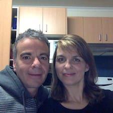โพรไฟล์ผู้ใช้ Jon & Patricia