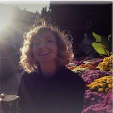 Profil korisnika Sarah Roland