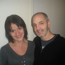 โพรไฟล์ผู้ใช้ Laia & Mike
