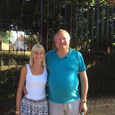 Perfil de l'usuari John & Lorna, Edgar