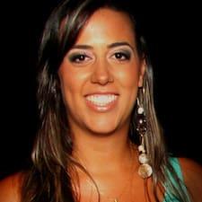 Maria Manuela是房东。