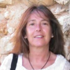 Maria João is the host.