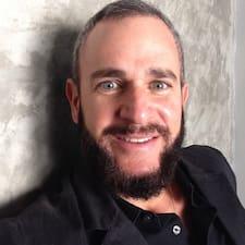 Jorge Ignacio est l'hôte.