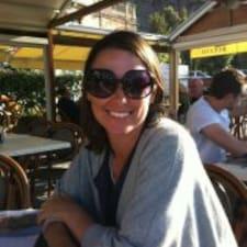Sarah felhasználói profilja