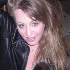 Gabrielle felhasználói profilja