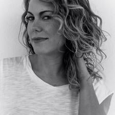 Marina Elvira User Profile