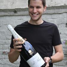 Bastien felhasználói profilja