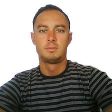 Quique User Profile