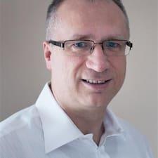 Árpád Brugerprofil