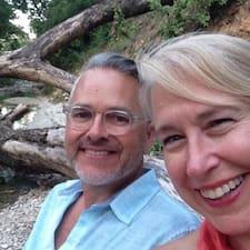 Sue And Mark ist der Gastgeber.